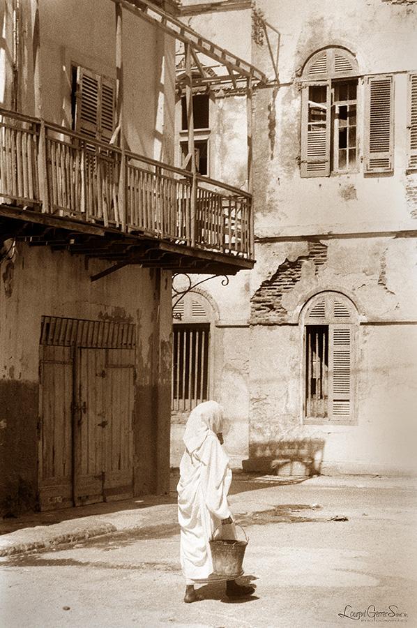 1988 Saint Louis Au Senegal Tel Un Livre Qui Se Ferme