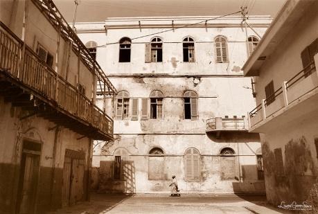 ©1988 Saint-Louis au Sénégal. Solitude dans l'oubli